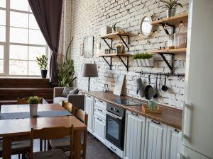 Светлый лофт с кухней